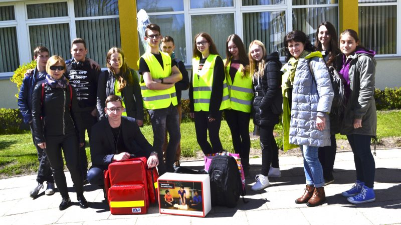 Jaunieji mokyklos paramedikai: vaikai, kurie gelbėja žmonių gyvybes