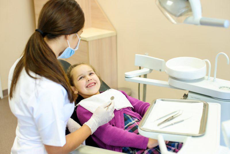 Liūdinanti Lietuvos vaikų dantų būklė: gydytoja odontologė atskleidė, kaip su tuo kovoti