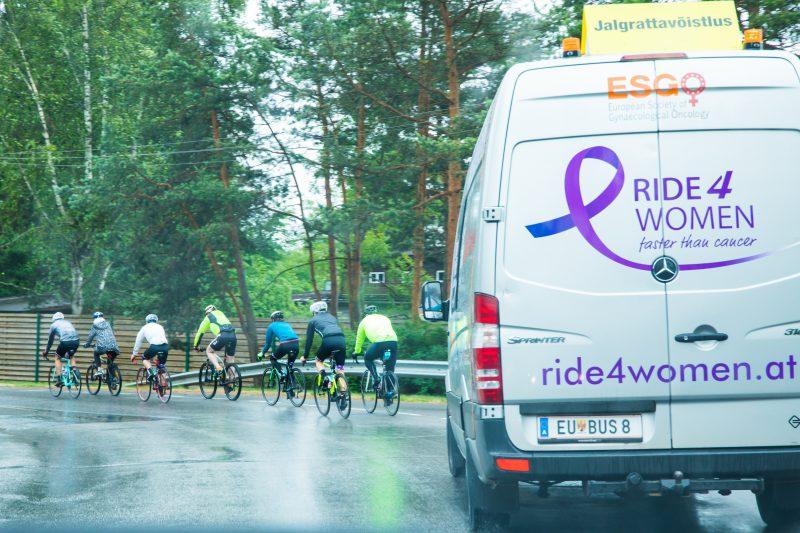 """Į Kauną atrieda tarptautinė """"Ride4Women"""" iniciatyva: kviečia į kovą su gimdos kaklelio vėžiu"""