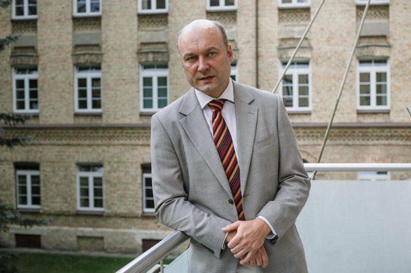 Psichiatrijos ligoninės vadovas skambina pavojaus varpais: trūksta budinčių psichiatrų