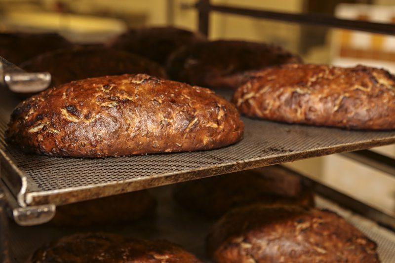 Sveikatai palankesni duonos gaminiai: į ką atkreipti dėmesį renkantis?