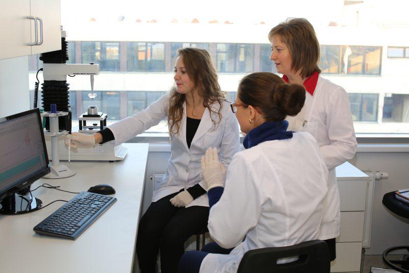 Trimatės vaistų gamybos technologijos – farmacijos specialistų ateities vizija