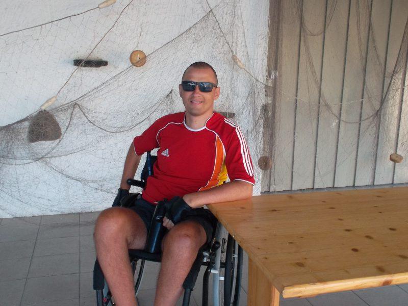 Tragiškas vilniečio jaunuolio likimo posūkis Kipre – kaklo lūžis, paralyžius, nesėkminga operacija, skausminga asmeninio gyvenimo drama