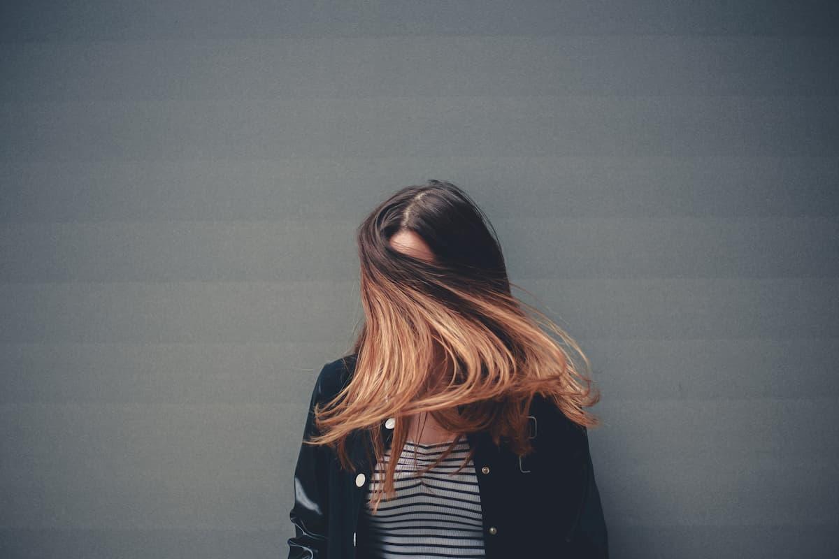 7 klaidos, kurias darote plaukų priežiūroje