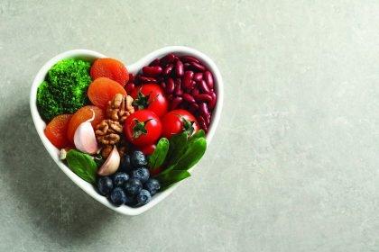 Dietologė pataria: 5 paprasti žingsniai sveikesnės mitybos link