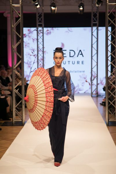 Dizainerė Reda Budvilaitienė pakvietė į kolekcijos pristatymą: ant podiumo – ryškus Japonijos aidas
