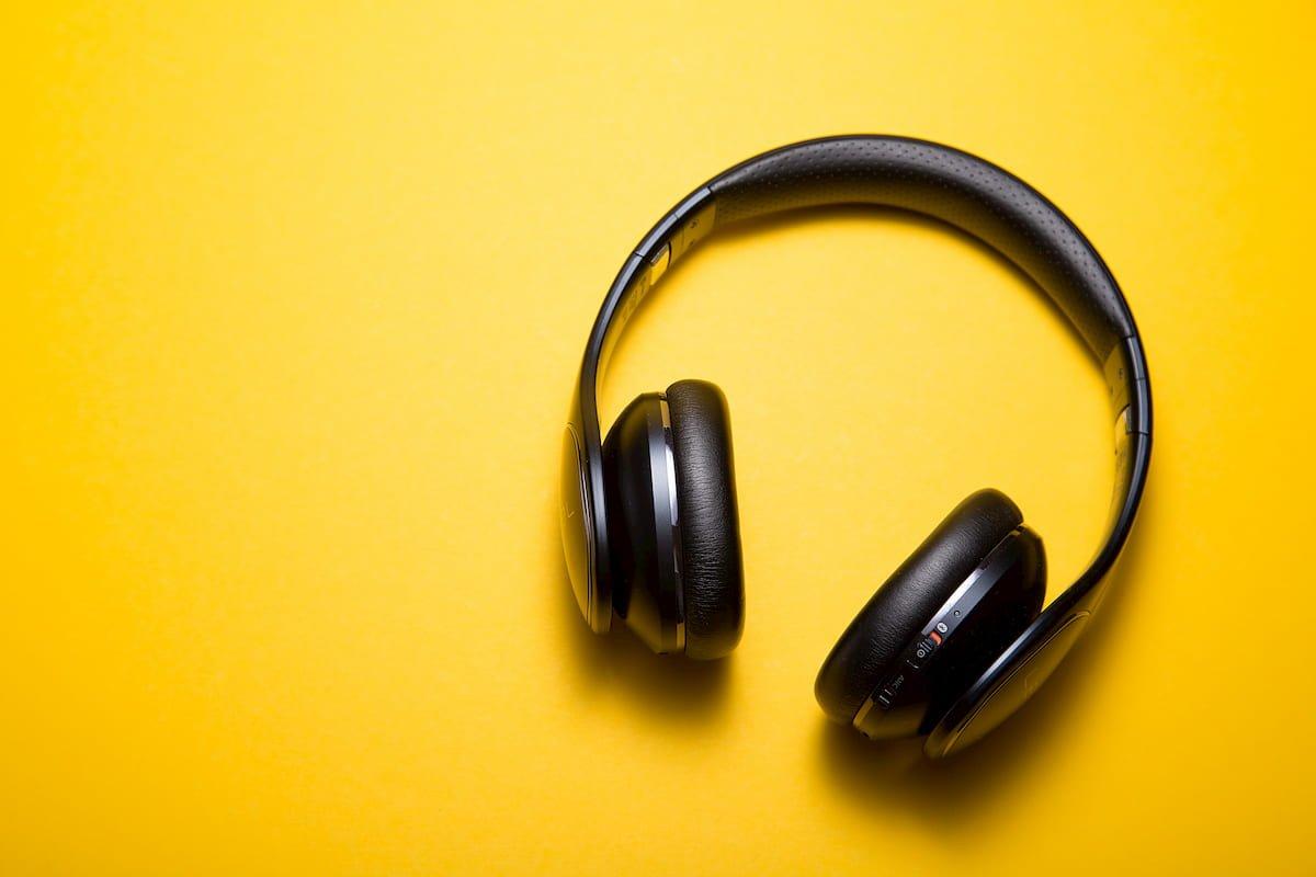 Muzikos klausymas miego metu – kodėl išbandyti verta net žiūrintiems skeptiškai(1)