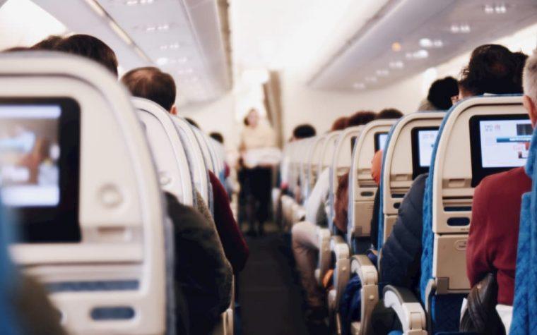 Dėl COVID-19 atvykstantys iš Italijos bus tikrinami dar neišlipę iš lėktuvo