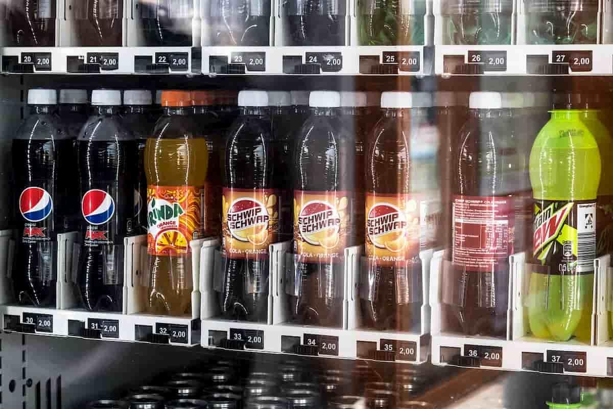 """Gėrimai su saldikliais klaidingai laikyti """"sveikesne alternatyva"""", rodo tyrimas"""