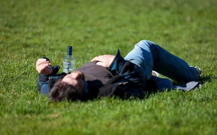 Nauja programėle bus siekiama slopinti pasąmoninį potraukį alkoholiui
